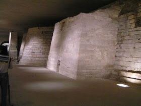 Subterrâneo do Louvre